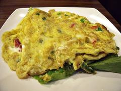 Omelette with lettuce